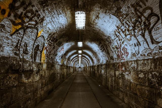 tunnel 237656 640