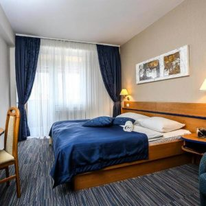 Room 1 21 Standard Park wood view 30888560 888561