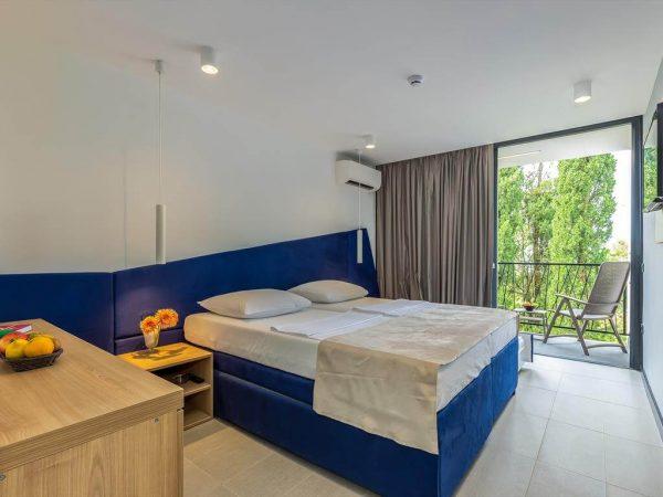 Room 1 22 Standard Sea side Balcony dbl1 2 4