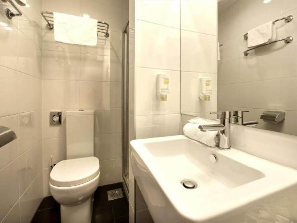 Room 1 2 Classic Park wood side Balcony 23781021 3781026