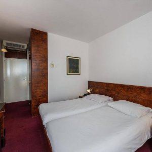Room 1 2 Economy Park wood side 1 635842236321605126