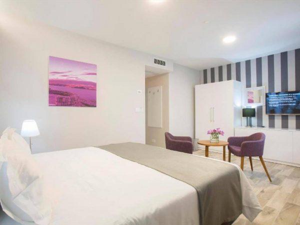 Room 1 2 Standard Sea side 2 7934519