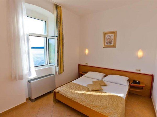 Room 1 2 Standard Sea side 31518842 1518844