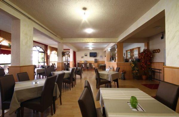 hotel grbalj restoran