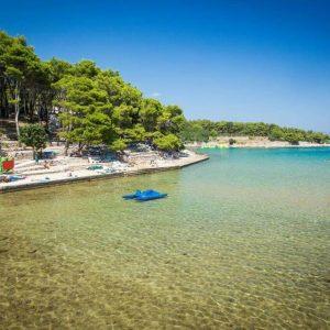 sandy beach mina
